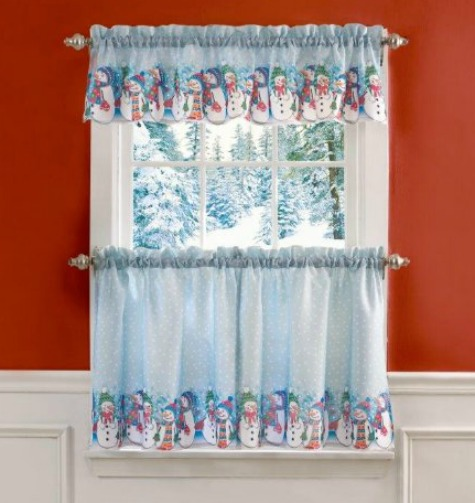 rows of snowman curtains