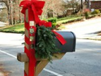 decorated-mailbox-for-christmas